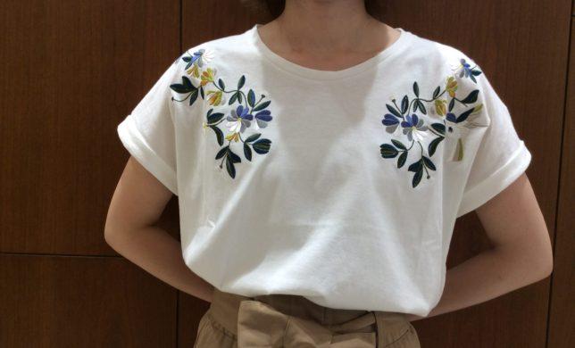 配色刺繍Tシャツ