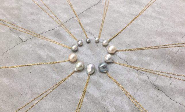 多彩な相棒  一粒パールのネックレス