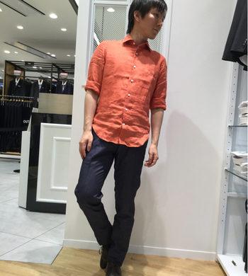 今回はリネンシャツをご紹介☆