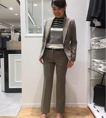 秋カラーが魅力的☆レディーススーツ