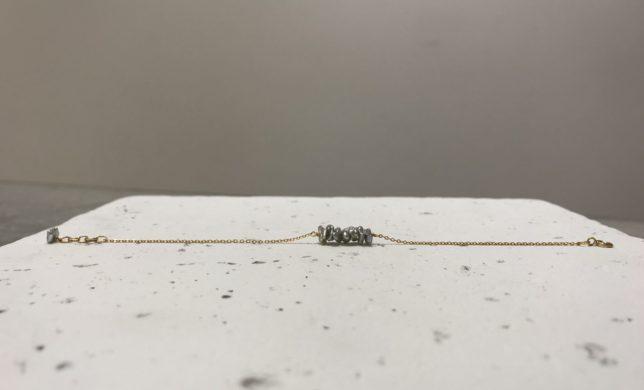 ぎざぎざ じぐざぐ 歪なグレーのアコヤパール