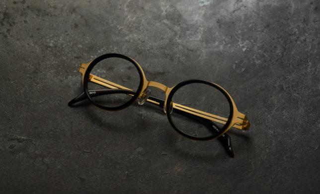 クラシカルなイメージを覆す、モダンな丸眼鏡 SPIVVY 「SP-1184」