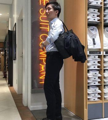 バッグに取り付けられるスーツ!?