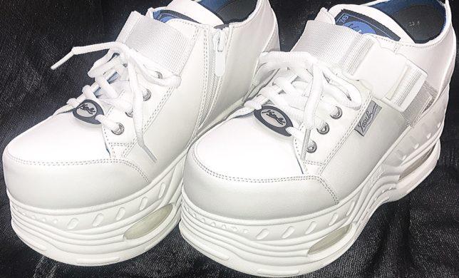 YOSUKE(ヨースケ)真っ白スニーカー‼️