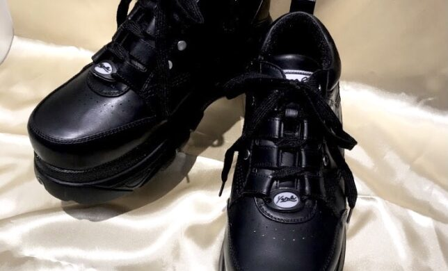 シンプルな黒🎵メンズにもおすすめ【YOSUKE】厚底スニーカー